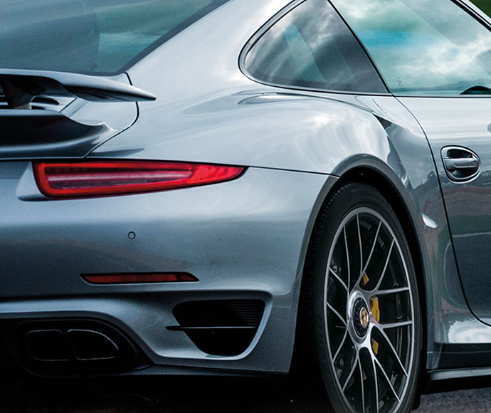 Porsche - The first manufacturer to ask Pirelli for special tyres